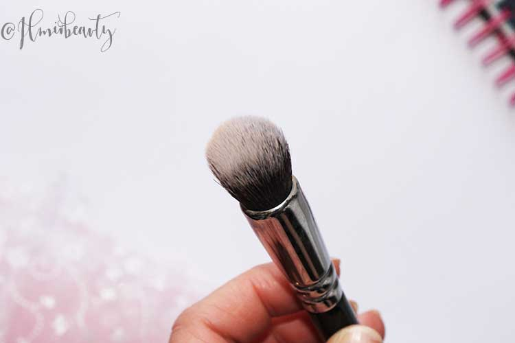 Zoeva face shape brush